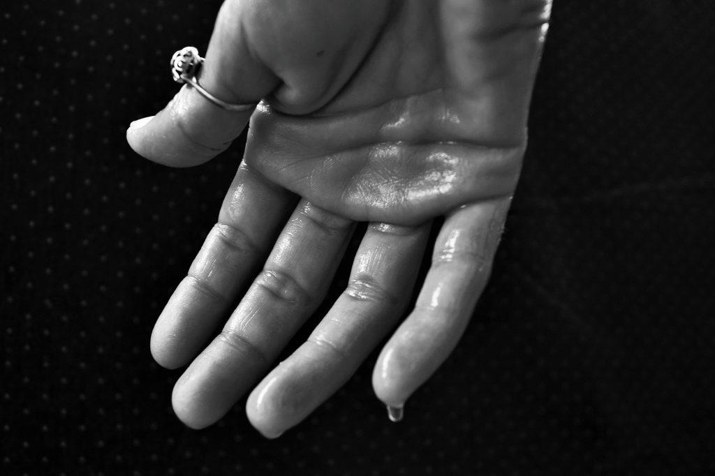 "New identification technique involving sweat – crime suspects ""at risk"""